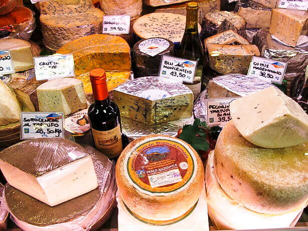 Mercato Centrale Florence: Where to buy cheese in Florence