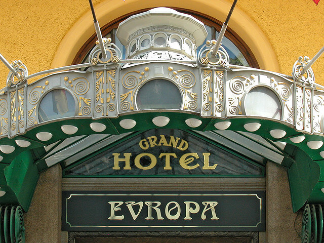 art nouveau architecture prague
