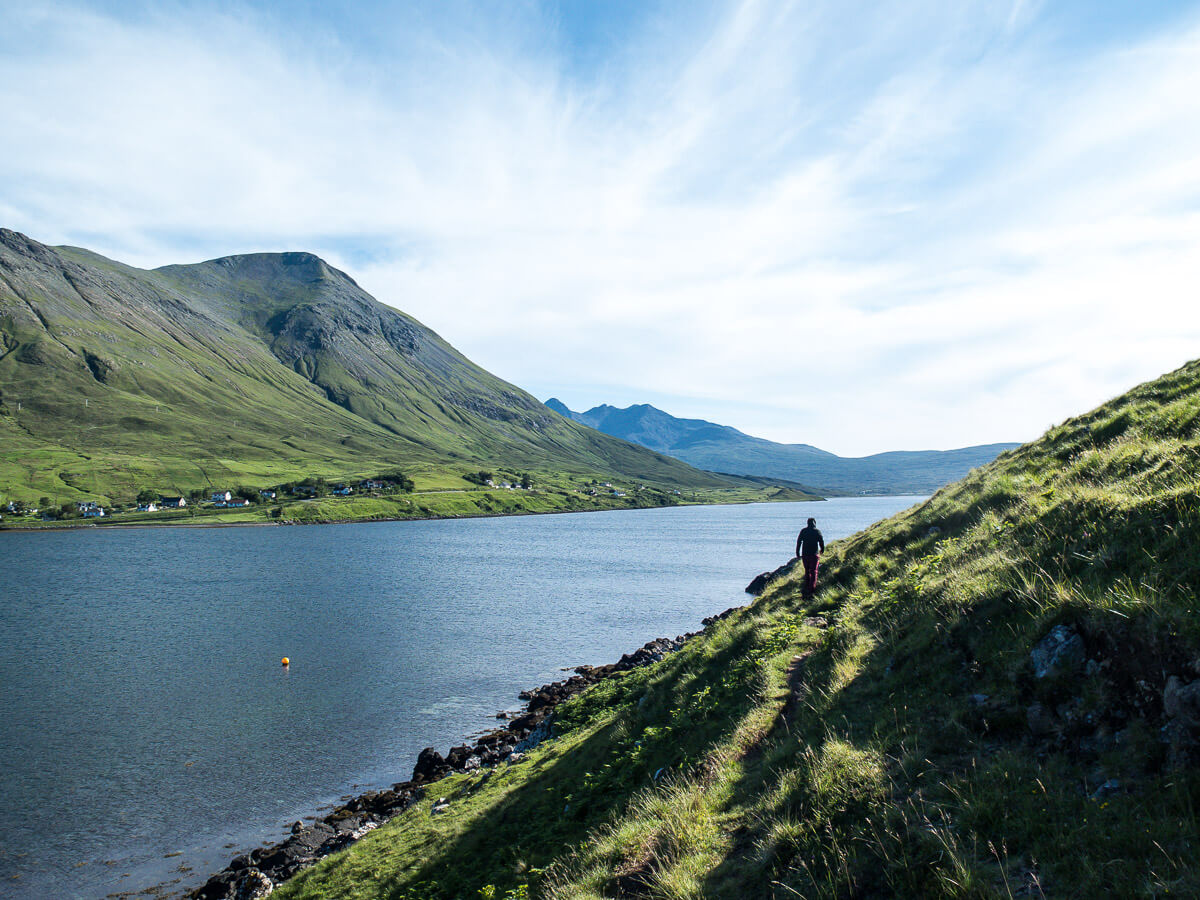 What to do on the Isle of Skye: easy hike on the water