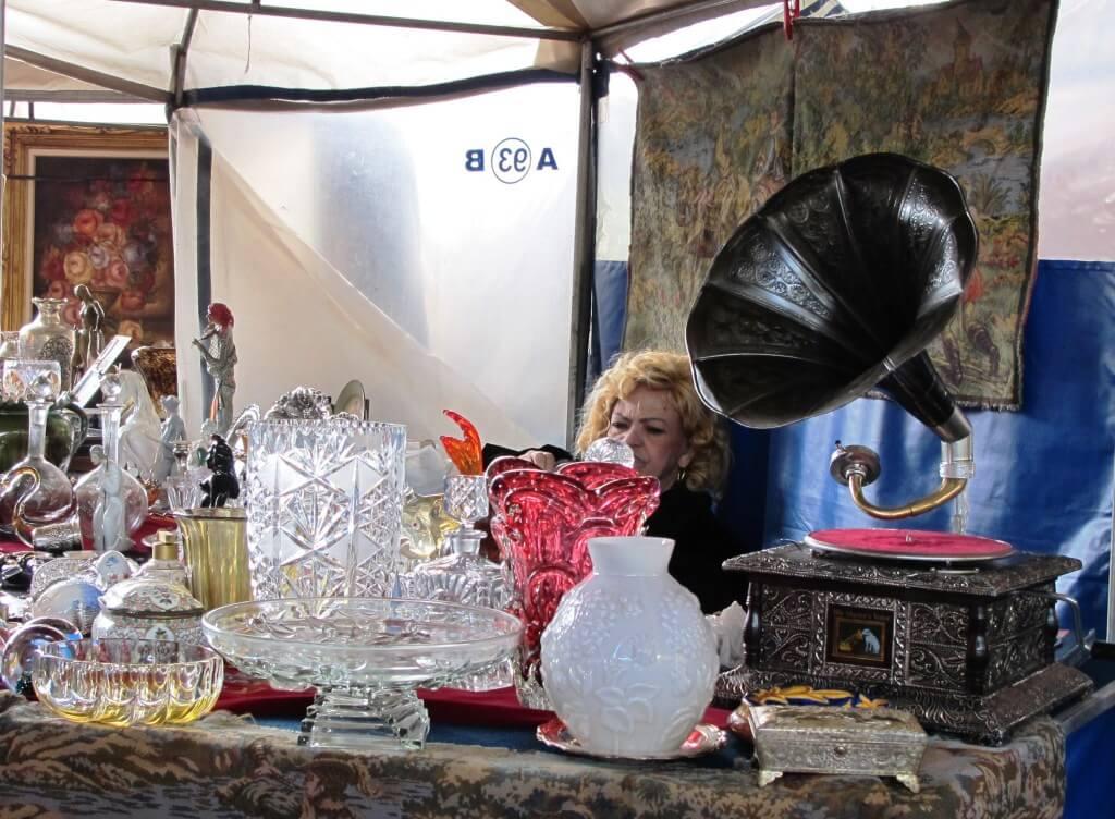 antiques market Sao Paulo