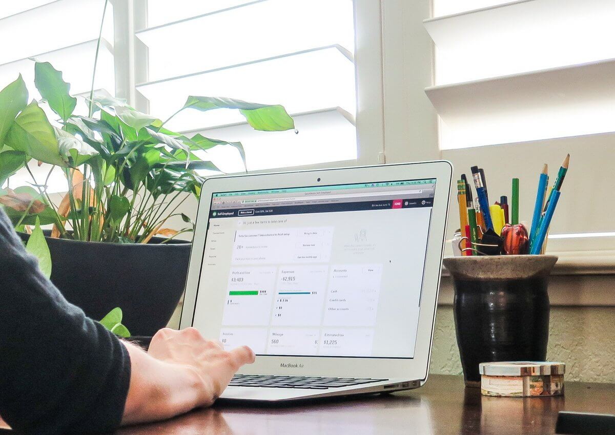 How to keep track of business expenses for self-employed people